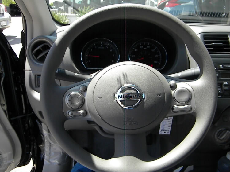 2012 Nissan Versa Steering Wheel and Gauges
